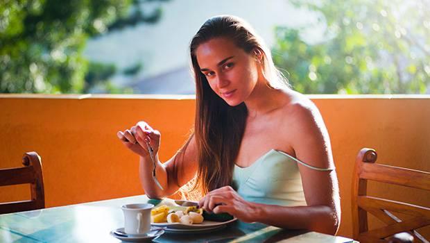 vrouw eten